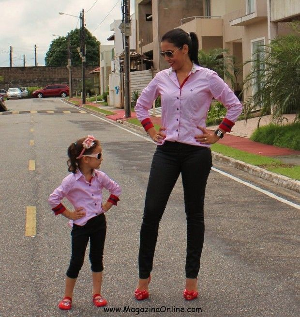 Here are 19 matching outfit ideas for stylish mother with cute little girls. They look amazing, cute and stylish at the same time.