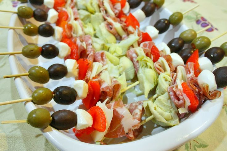Antipasto Skewers made with #Applegate deli meats and cheese via # ...