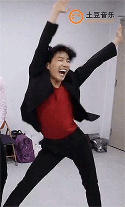 How the hell does anyone not love hobi?! I mean, look at this wonderful fool <3