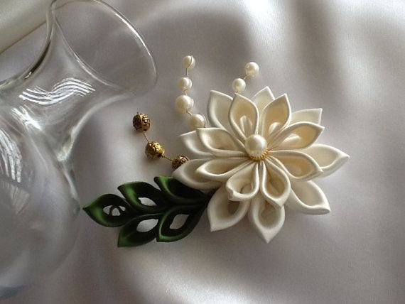 Hair+Clip++Ivory+Green+Kanzashi+Flower+with+Pearls++Wedding