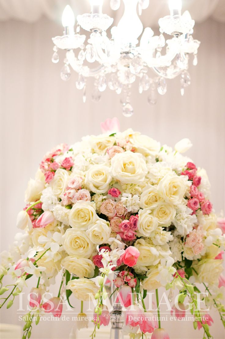Decoratiuni florale nunta si candelabre cristal IssaEvents 2017