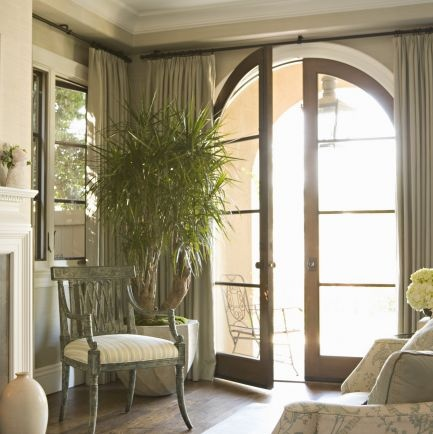 Idea On Hanging Curtains In Dining Room With Similar Arched Window