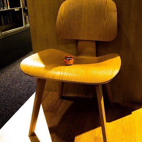 Invade wooden chair! #mizumushikun #chair #cute #furniture #funny #design #art #craft