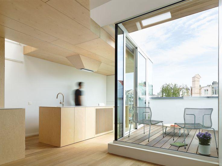 François Martens, Edouard Brunet, Dennis De Smet · Renovating, Splitting and Extending a Brussels Terraced-House · Divisare