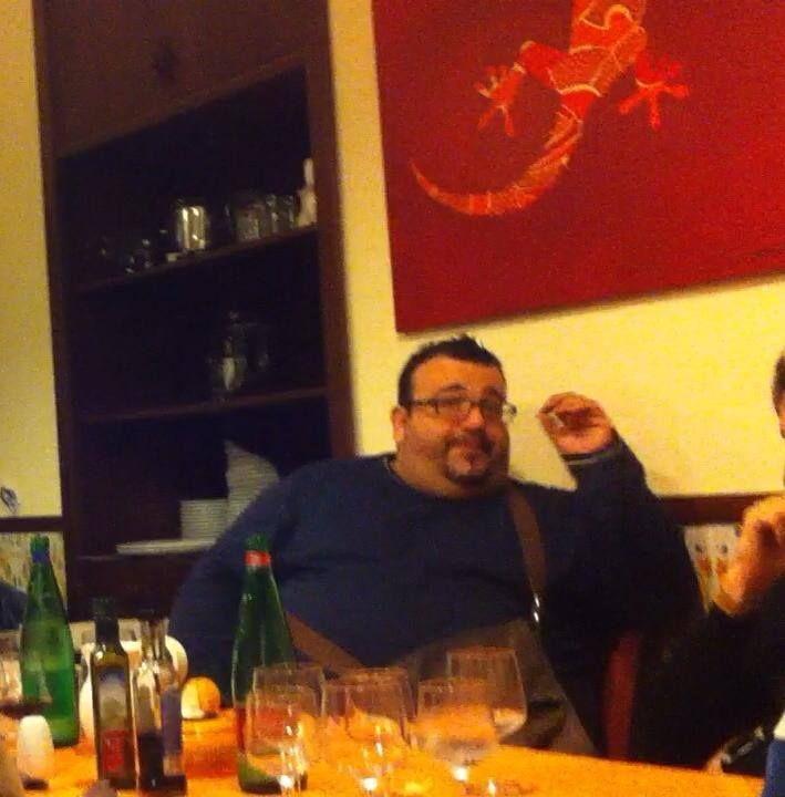 Capelli lunghi.....................  Made In Sud dal Brigante! Ristorante Napoli La Taverna Del Brigante www.latavernadelbrigantenapoli.it