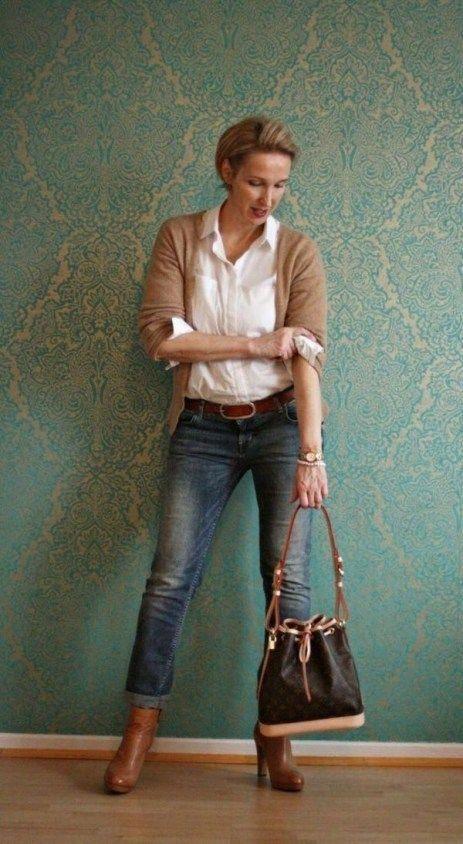 Cute Casual Work Fashion for Women Over 40 39 #womensfashionover50cardigans