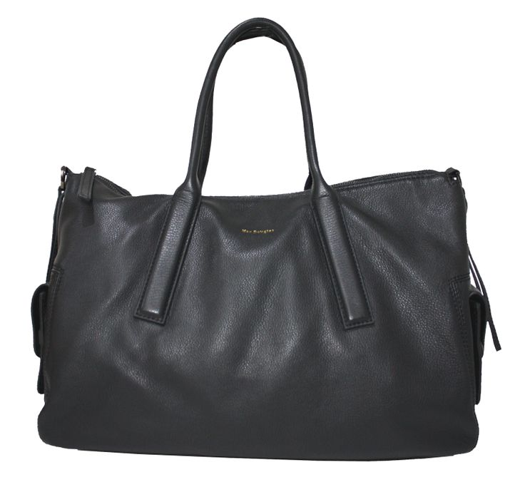 Sac Mac Douglas en cuir de couleur noir.  => http://www.sac-promo-pas-cher.com/mac-douglas/1569-sac-mac-douglas-sandrine-chelsea-m-v01-sac-promo-pas-cher.html