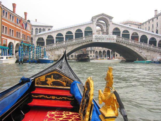 L'acqua continuava a allagato tre quarti di Venezia
