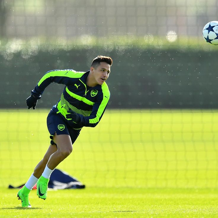 Alexis Sanchez Returns to Arsenal Training Amid Man City, PSG Transfer Rumours