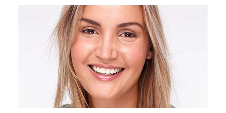 We love teeth; we offer a variety of dental treatments.