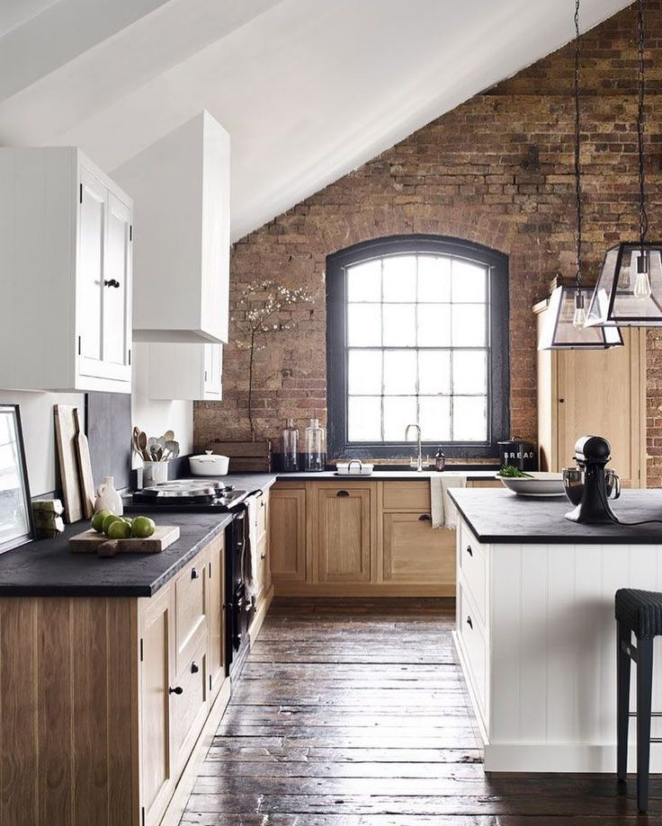 Industrial Modern Kitchen With Large Arched Window Aged Wood Floors White Oak Cabinetry And A Wh Interior Design Kitchen Best Kitchen Designs Kitchen Design