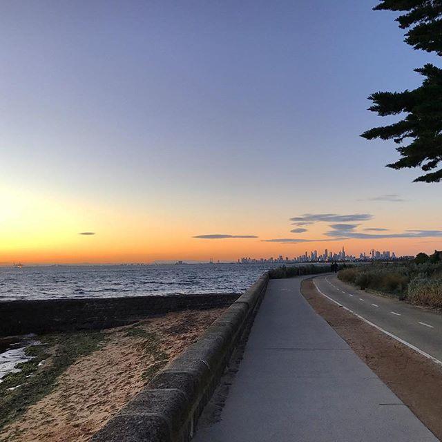 🇦🇺Enjoying an evening walk through Brighton 💛 Melbourne city peeking through the background #sunsetglow #wanderlust #brighton #bayside #evening #stroll #melbournelifelovetravel #victoria #exploring #wandering #winter #live #love #travel #australia #beautiful #picturesque #melbournelife #melbournetravel #instagood #instatravel #exploreaustralia #explorevictoria #instavictoria #sunset #scenic #beach #instawinter #landscape #melbourne