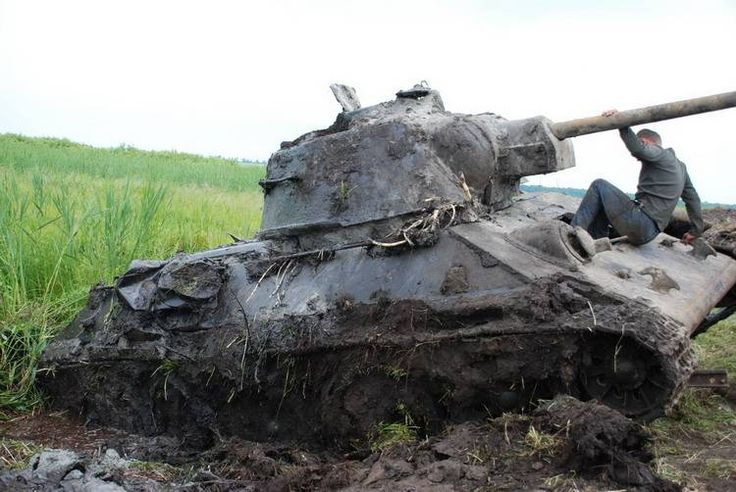 """Stunning images of T-34/76 unearthed in Ukraine """"a real time capsule""""   World War II Social Place"""