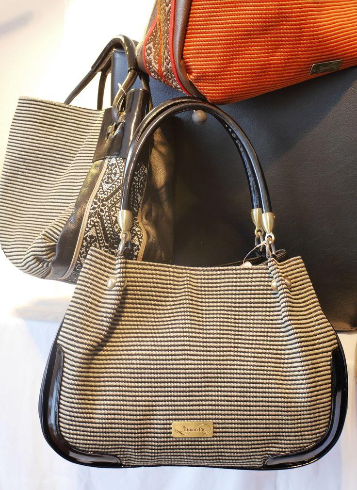 Meridiano Products importiert und vertreibt handgemachte Taschen und Lederprodukte aus Lateinamerika. Aktuell bieten wir eine Damen Kollektion mit zwei Marken an, Limon Piel und Adalgiza Lopez.