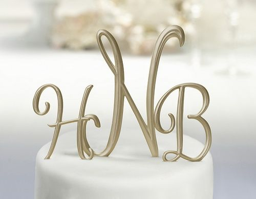 gold wedding cake topper initials 1000 ideas about monogram wedding cakes on 14836
