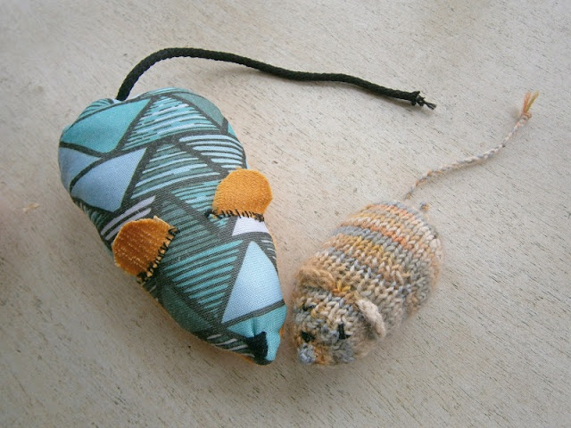 1000 images about sew 4 kitten on pinterest free for Diy easy cat toys