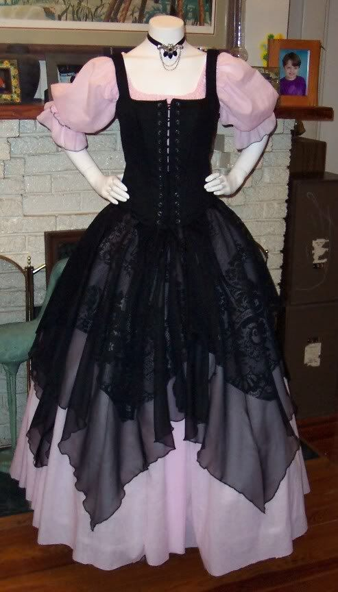 Renaissance Pirate Gown Dress costume naughty Wench Womens Costume Pink black 175