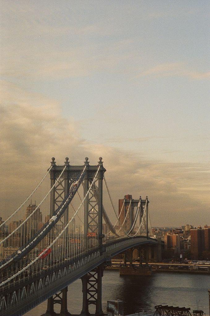 Manhattan Bridge   New York (by Atisha Paulson)