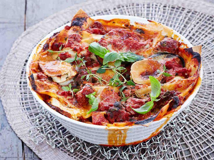 Kesäkurpitsa & vuohenjuusto maistuvat lasagnessa. http://www.yhteishyva.fi/ruoka-ja-reseptit/reseptit/kesakurpitsa-vuohenjuustolasagne/014203