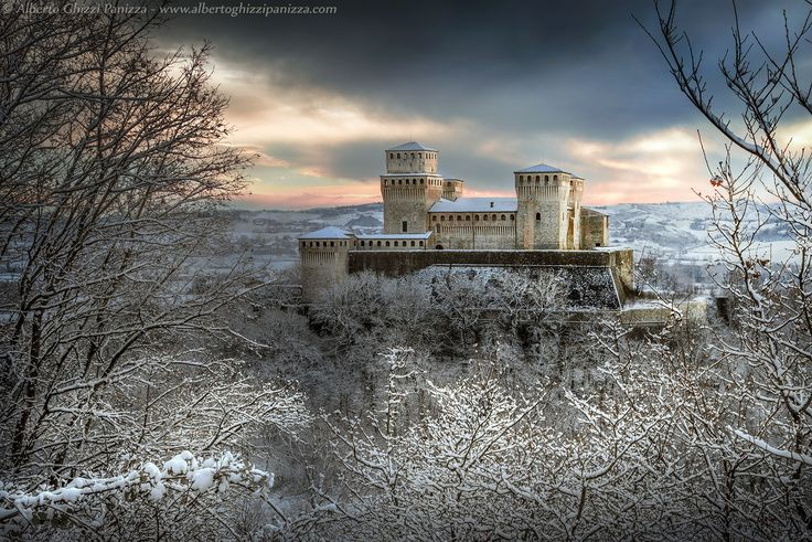 First snow on the castle by Alberto Ghizzi Panizza on 500px - Castello di Torrechiara, Italy