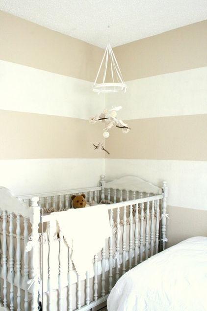 Nursery room beige : White and beige striped walls