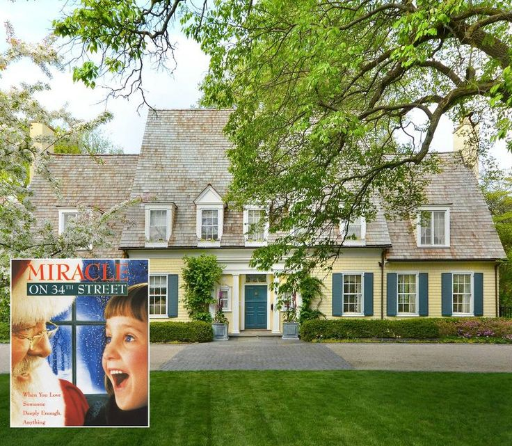 """Susan Walker's Yellow House from """"Miracle on 34th Street"""" Remake For Sale in Lake Forest, Illinois"""