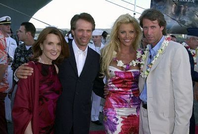 Michael Bay, Jerry Bruckheimer and Lisa Dergan at event of Pearl Harbor (2001)