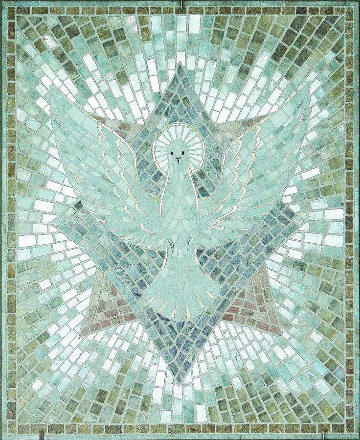 """""""Голубь"""" """"Дух Святой""""  флюорит, беломорит, чароит, родонит, агат, агат-опал, кремень белый, золото, белое золото, серебро"""
