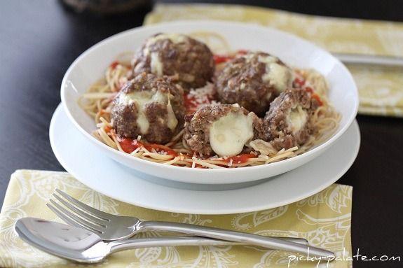 Mozzarella Stuffed Meatballs...Picky Palate: Food Info, Beef Dishes, Meatballs Recipe, Homemade Meatball Recipes, Mozzarella Stuffed Meatballs, Meat Dishes, Homemade Meatballs, Stuffed Homemade, Homemade Mozzarella