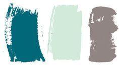 """Gama harmônica. Embora o marrom reine na sala, a cor que deu início à paleta do apartamento foi o azul-petróleo, escolhido para aparede do quarto (veja ao virar a página). Depois vieram também verde-água e cinza. """"São tons harmônicos entre si e de efeito agradável"""", diz Junior, que tingiu as paredes para depois definir as cores de tecidos, móveis e objetos."""
