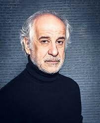 Toni Servillo in Le voci di dentro di Eduardo De Filippo