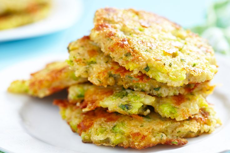 You'll love these baked broccoli fritters as they are cheesy and a bit crispy yet low in fat! :)