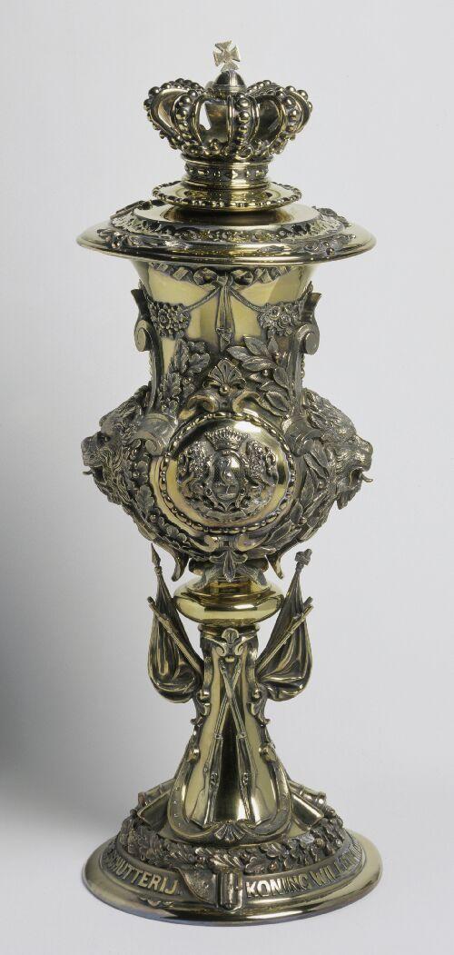 Prijsbeker voor de Haagse schutterij (verguld-zilveren)