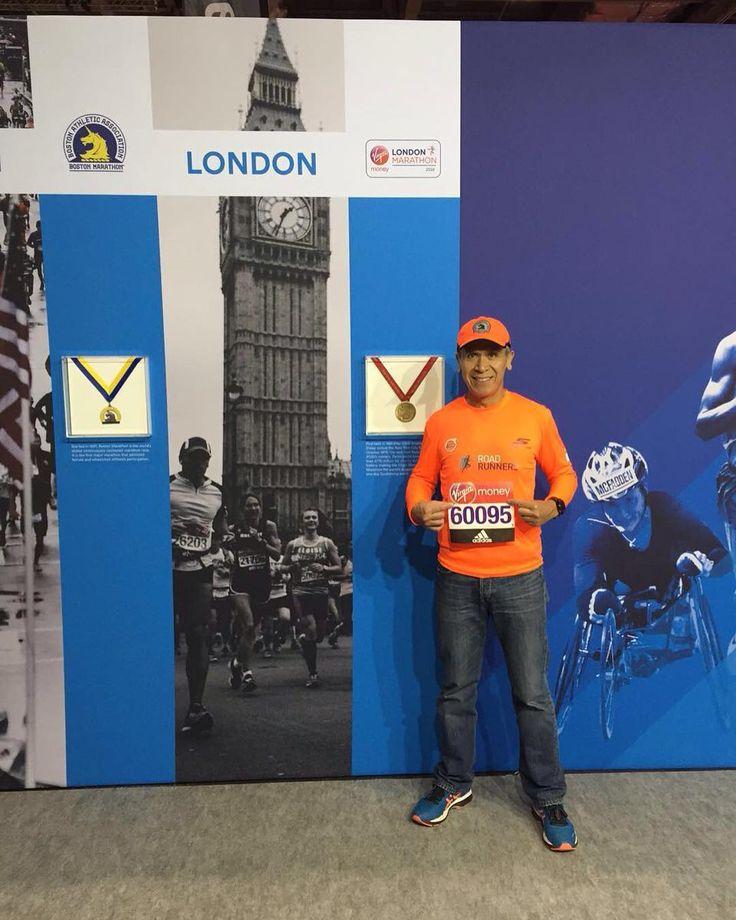 José Chi listo con su número de corredor para competir este domingo en su cuarto Major el Maratón de Londres