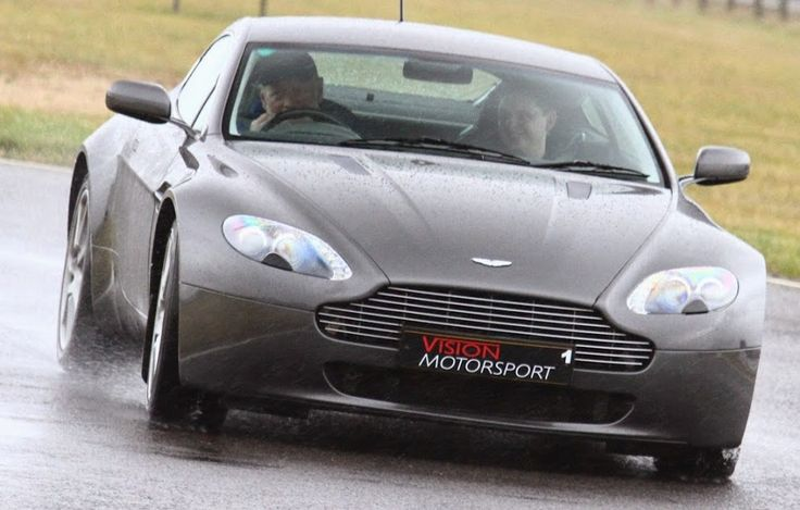 Kevin Cantwell driving an Aston Martin Vantage on 19 Feb 2015 - Vision Motorsport, Great Tew, Oxon.