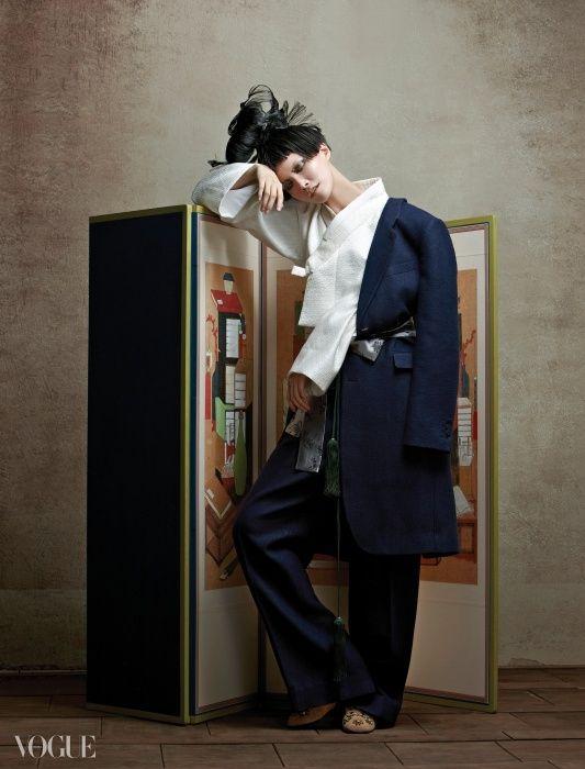 KOREAN TRADITIONAL CLOTHES HANBOK