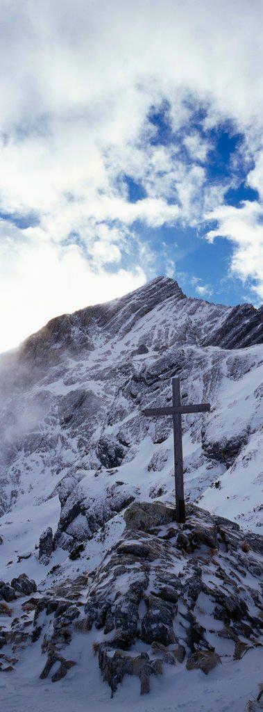 Gipfelkreuz, Wettersteingebirge, Wolkendecke, Felsformationen, Werdenfelser Land
