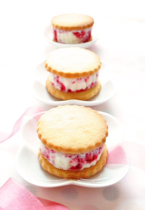 Raspberry Ice Cream Sandwiches Shortcakes Dessert Pastry Sweet Biscuit ...