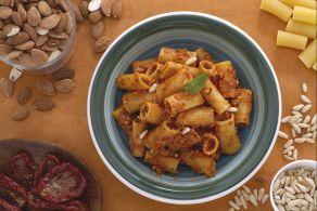 Ricetta Pasta al pesto di broccoli - Le Ricette di GialloZafferano.it