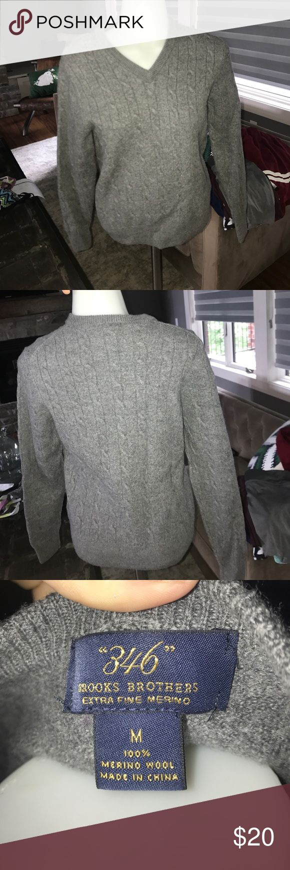 Brooks Brothers wool sweater Good quality brooks brothers sweater. It's a medium but fits like a small Brooks Brothers Sweaters V-Necks