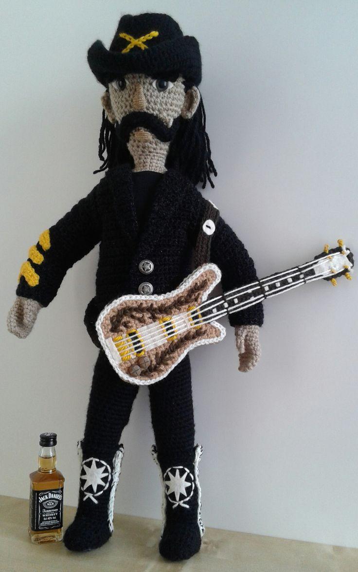'Lemmy' Ian Fraser Kilmister. gehaakte pop 55 cm. geen patroon eigen ontwerp, door Sheila.