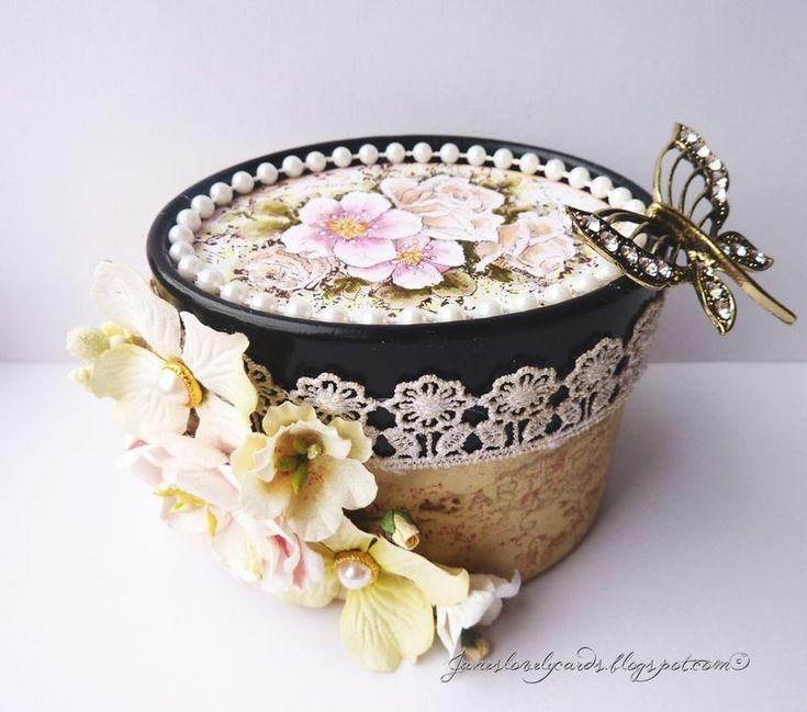 Vintage Garden Gift Box. Stempelglede :: Design Team Blog. 2014 © Jane Johnson