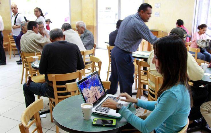 Viene a Honduras un cuarto operador de telefonía móvil  Ya se inició el proceso para contratar a un asesor internacional. El Gobierno fomentará la competencia con el fin de reducir más las tarifas. 3 operadores en la actualidad: Tigo, Claro y Hondutel comparten un mercado de más de ocho millones de usuarios.