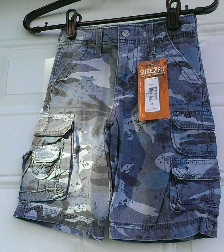 New boys size 5 regular LEE DUNGAREES mike rowe CARGO SHORTS blue camo pattern