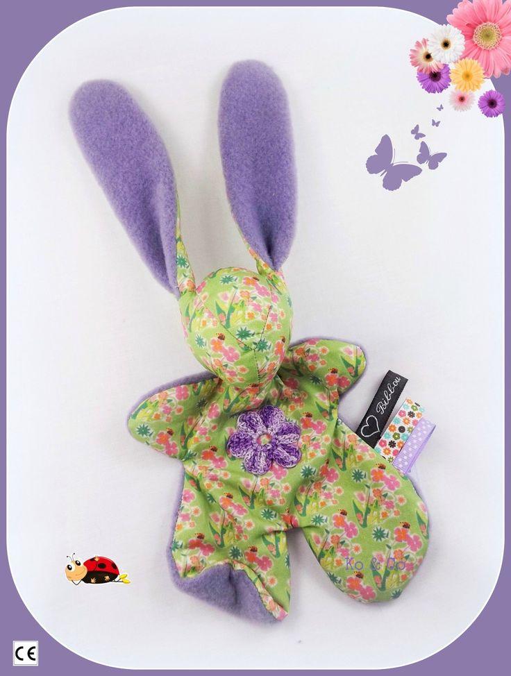 Doudou lapin Moubbi°°Petite fleur°°.tissu fleuri ,fleur au crochet.Original ,Fait main .Un cadeau de naissance unique. : Jeux, peluches, doudous par kore-and-co