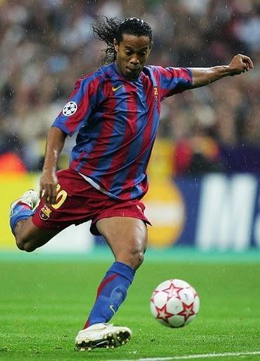 Ronaldinho   Former Brazil #10, Former Barcelona #10