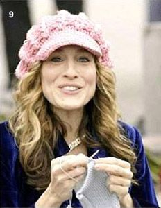 Sarah Jessica Parker knitting. Love the crocheted hat too! #knitting #celebrity