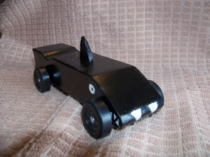 Top 25 ideas about pinewood derby cars on pinterest cars for Pinewood derby shark template