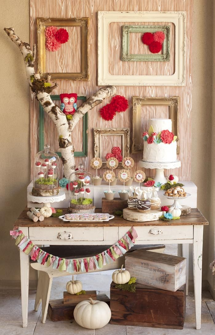 so sweet cake table idea. cute for s fall outdoor wedding. #WoodlandParty #PartyIdeas #Supplies