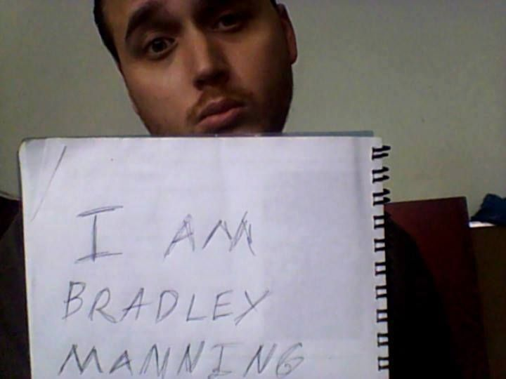 Adrian Lamo I am Bradley Manning